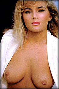 Elizabeth Thai Nude